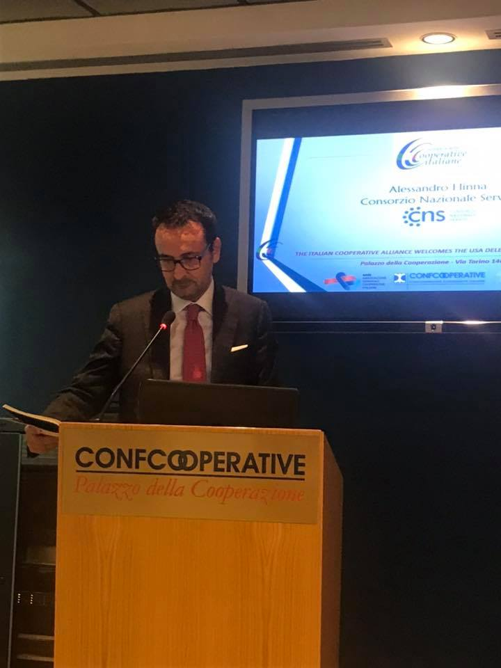 """Il Presidente del Consiglio di Gestione Alessandro Hinna ha presentato nella sezione """" Valori cooperativi e principi in azione"""" l'esperienza del CNS"""